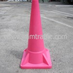 กรวยจราจรสีชมพูขนาดสูง 100 เซนติเมตร