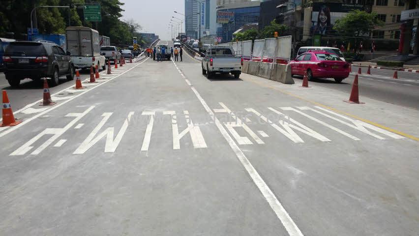 งานตีเส้นจราจรมาตรฐานกรมทางหลวง ตีเส้นถนนสะพานไทย เบลเยี่ยม