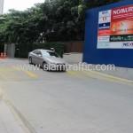 ตีเส้นถนนอาคารกรุงเทพประกันภัย