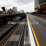 ตีเส้นจราจรด้วยสีเทอร์โมพลาสติกสะพานไทย-ญี่ปุ่น ถนนพระรามที่ 4