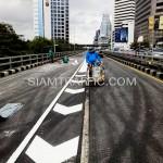 ตีเส้นจราจรโครงการปรับปรุงสะพานข้ามแยก ถนนพระรามที่ 4-สีม (ไทย-ญี่ปุ่น)