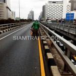 ตีเส้นด้วยสีเทอร์โมพลาสติกสะพานไทย-ญี่ปุ่น