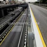 ตีเส้นถนนด้วยสีเทอร์โมพลาสติกสะพานไทย-ญี่ปุ่น ถนนพระรามที่ 4