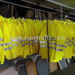 เสื้อกันฝนอย่างดีซื้อที่ 0-2294-0281-6 สกรีนข้อความ จราจรทางพิเศษ 1