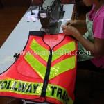 เสื้อกั๊กตาข่ายสะท้อนแสงราคาถูก สกรีนข้อความ TOLLWAY TRAFFIC