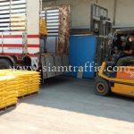 สีเทอร์โมพลาสติก สีขาว 950 ถุง สีเหลือง 450 ถุง ส่งออกไปประเทศกัมพูชา