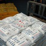 สีจราจรทาถนน สีขาว 950 ถุง สีเหลือง 450 ถุง ส่งออกไปประเทศกัมพูชา