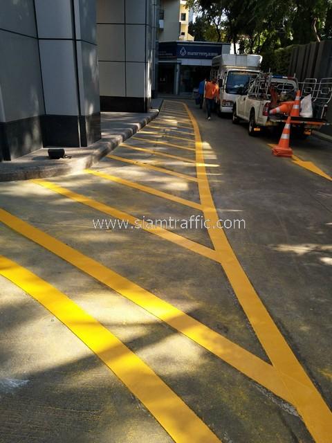 ตีเส้นถนน ที่กรุงเทพประกันภัย