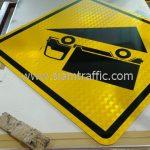 Steep descent traffic warning sign export to Yangon Myanmar
