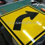Right bend general warning sign export to Yangon Myanmar