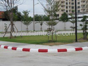 รับจ้างทาสีขอบทางขาวสลับแดงที่แฟลตทหาร ถนนศรีสมาน