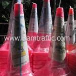 กรวยจราจรสีชมพูติดสติ๊กเกอร์สะท้อนแสงขนาดสูง 1 เมตรแพ็คมัดละ 10 ใบ