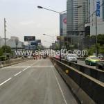 ตีเส้นสะพานไทย เบลเยี่ยม รับตีเส้นจราจรและทาสีขอบทาง