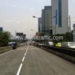 ตีเส้นถนนสะพานไทย เบลเยี่ยม รับตีเส้นจราจรและทาสีขอบทาง