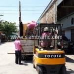 สีทาเส้นจราจรและเครื่องตีเส้นถนนส่งออกไปประเทศกัมพูชา