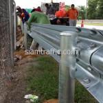 งานติดตั้ง Guard Rail ทางด่วน