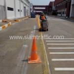 ตีเส้นถนนสีเหลือง โค้ก ปทุมธานี