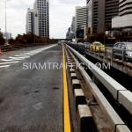 ตีเส้นถนนด้วยสีเทอร์โมพลาสติกโครงการปรับปรุงสะพานข้ามแยก ถนนพระรามที่ 4-สีม (ไทย-ญี่ปุ่น)