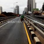 ตีเส้นจราจรสะพานไทย-ญี่ปุ่น