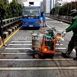 ตีเส้นรัมเบิ้ลสตริปสะพานไทย-ญี่ปุ่น