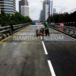 ตีเส้นจราจรรัมเบิ้ลสตริปสะพานไทย-ญี่ปุ่น