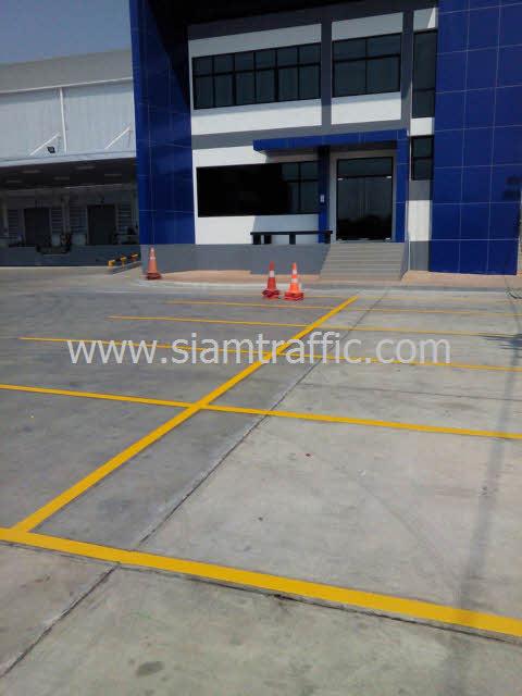 ตีเส้นลานจอดรถ หน่วยงาน WHA Mega Logistic Center บางพลี