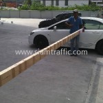 ไม้กั้นรถ เดอโบตั๋น ติดตั้งที่ถนนศรีนครินทร์