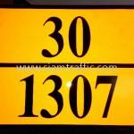 """ป้ายอักษร """"30/1307"""" สะท้อนแสง"""