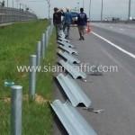 w-beam guardrail ทางหลวงพิเศษหมายเลข 7 ตอนหนองขาม - ชลบุรี