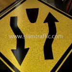 Divided Road Sign W1-45 Cambodia Traffic Sign
