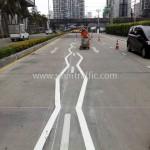 เส้นจราจรสีขาว Unilever Building ถนนพระราม 9