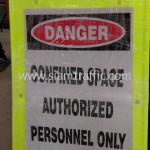ป้ายขาตั้งพลาสติก confined space authorized personnel only