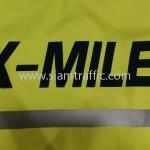 ขายเสื้อกันฝนสะท้อนแสง สกรีนข้อความ K-MILE