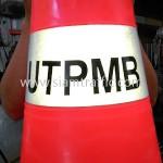 กรวยสีส้มข้อความ UTPMB