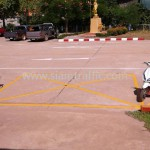 เส้นจราจรขาวเหลือง โรงพยาบาลแก่งหางแมว จังหวัดจันทบุรี