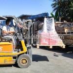 กรวยจราจรจำนวน 120 ใบ ส่งออกไปประเทศกัมพูชา