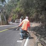การตีเส้นถนน ทางหลวงหมายเลข 1256 ตอน ปัว – อุทยานแห่งชาติดอยภูคา