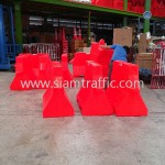 waterfilling-plastic-barrier-and-guide-post-3