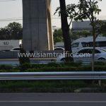 highway guard rail w beam ในทางหลวงหมายเลข 34 ตอน บางนา - ทางเข้าท่าอากาศยานสุวรรณภูมิ