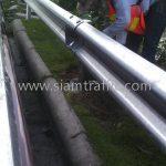 w beam guardrail ในทางหลวงหมายเลข 34 ตอน บางนา - ทางเข้าท่าอากาศยานสุวรรณภูมิ