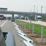 w-beam guard rails ตามแบบสำนักงานบำรุงทางหลวงพิเศษระหว่างเมืองที่ 2 ในทางหลวงพิเศษหมายเลข 7 ปริมาณงาน 6,240 เมตร