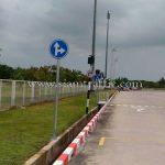 """ป้าย """"ตรงไป-เลี้ยวขวา"""" กลม ขนาด 60 เซนติเมตร บริษัท โตโยต้า มอเตอร์ ประเทศไทย จํากัด โรงงานบ้านโพธิ์ แผนก VL"""