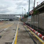 เสาจราจรพลาสติก จำนวน 452 ต้น และป้ายจราจร Toyota Motor Thailand Co., Ltd. สำโรง