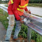 w beam guard rail แขวงทางหลวงชนบทชุมพร สาย ชพ.5062 แยกทางหลวงชนบท 1007 ปริมาณ 212 เมตร