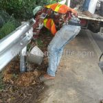 การติดตั้ง w beam guardrail CLASS I TYPE II จำนวน 1,168 เมตร แขวงทางหลวงระนอง