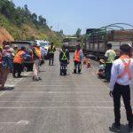 การสาธิตวิธีการตีเส้นถนนด้วยสีเทอร์โมพลาสติก ที่กอกะเร็ก ประเทศพม่า လက်တွေ့အရောင် thermoplastic နဲ့လမ်းမျဥ်းဆွဲပြခြင်း ကော့ကရိက် မြန်မာနိုင်ငံမှာ