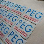 โลโก้ หจก.แพร่วิศวกรรม (PEG) สกรีนบนสติ๊กเกอร์สะท้อนแสง สำหรับติดแบริเออร์