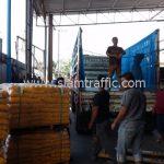 สีเส้นจราจร สีเหลือง จำนวน 2,000 ถุง ส่งไปประเทศพม่า