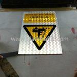 ป้าย safety งานก่อสร้าง ป้ายระวังอันตรายจากรถยก ขนาด 30 x 45 เซนติเมตร