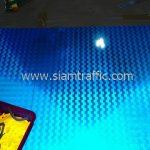 การติดสติ๊กเกอร์สะท้อนแสงกับแผ่น ป้ายทางหลวงชนบท ชร.4052